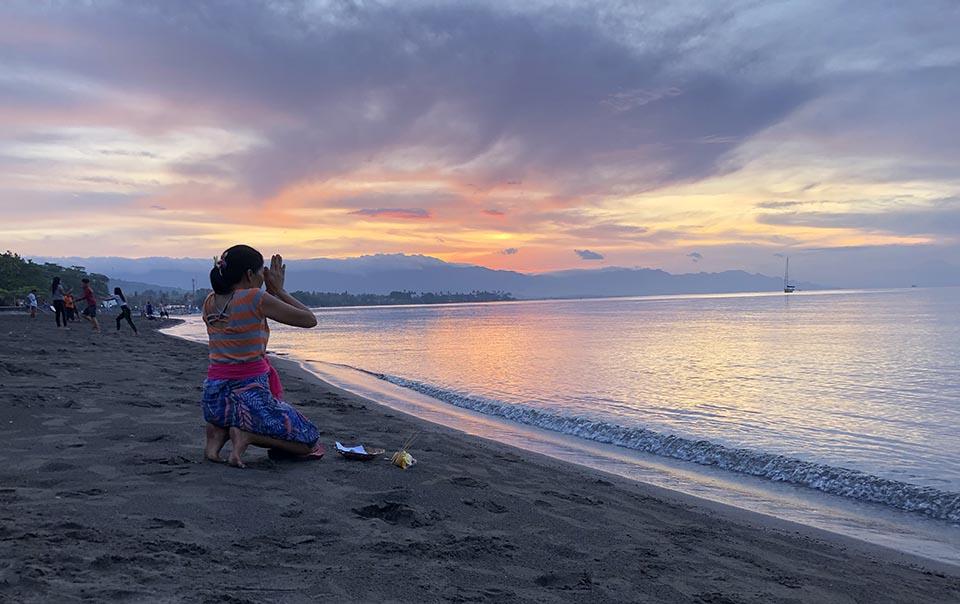 Побережье Ловина, Бали